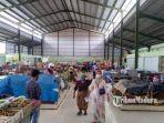 suasana-di-pasar-rakyat-rongtengah-kecamatankabupaten-sampang-madura.jpg