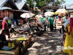 suasana-pedagang-yang-berjualan-di-pasar-kolpajung-pamekasan-madura-rabu-21102020.jpg