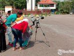 suasana-saat-mahasiswa-iain-madura-pamekasan-melakukan-pengamatan-gerhana-matahari-cincin.jpg