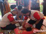 suasana-saat-psbb-melakukan-khitan-massal-gratis-di-kecamatan-pasean-kabupaten-pamekasan-madura.jpg