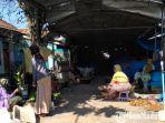 suasana-sepinya-aktivitas-di-pasar-kolpajung-pamekasan-madura-rabu-2462020.jpg