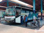 suasana-sepinya-penumpang-bus-akdp-di-terminal-ronggosukowati-pamekasan-madura.jpg
