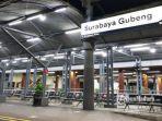 suasana-stasiun-gubeng-surabaya-kamis-652021-malam.jpg