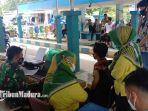 suasana-vaksinasi-di-pamekasan-madura-kabupaten-pamekasan-kembali-ke-ppkm-level-3.jpg