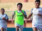tiga-pemain-muda-madura-united-mengikuti-latihan-minggu-2572021.jpg