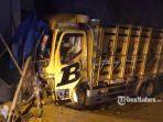 truk-kecelakaan-di-jalan-raya-desa-dharma.jpg