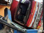 truk-menabrak-warung-makan-di-jalan-surabaya-banyuwangi.jpg