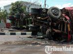 truk-trailer-nissan-diesel-terguling-di-jalan-raya-by-pass-krian-km-34-sidoarjo.jpg