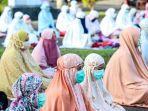 umat-muslim-saat-melaksanakan-ibadah-salat-idul-adha.jpg