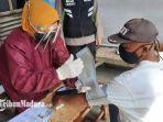 vaksinasi-covid-19-di-desa-puhrubuh-kecamatan-semen-kabupaten-kediri-kamis-1572021.jpg