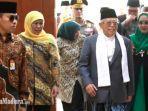 wakil-presiden-kh-maruf-amin-bersama-istri-dan-didampingi-gubernur-jatim-khofifah.jpg