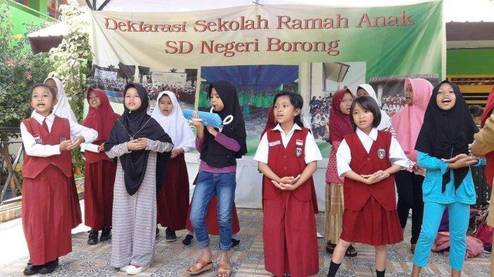 Ratusan Siswa Pentas Bersama dalam Program Gerakan Seniman Masuk Sekolah (GSMS) - 10122018_gmss.jpg