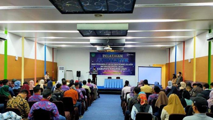Tribun Timur Latih 120 Perangkat Desa di Maros Belajar Menulis Potensi Desa