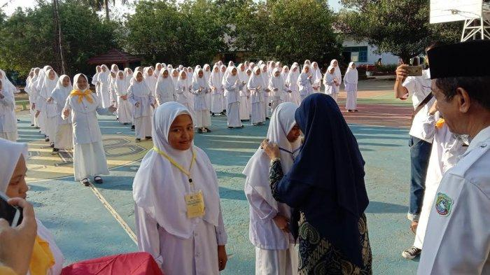 140 Santri IMMIM Putri Pangkep Ikuti Orientasi Palang Merah Remaja
