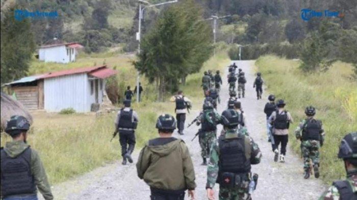 VIDEO: 20 OTK di Papua Serang TNI dan Curi Senjata, Prada Aryudi dan Praka M Alif Nur Gugur