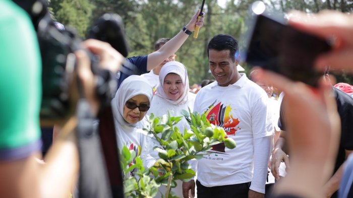 Sekira 1.500 Alumni Unhas Meriahkan Halalbihalal Ika Unhas 2018 di Istana Kepresidenan Cipanas - 20180724_ika_unhas_2_20180724_033828.jpg