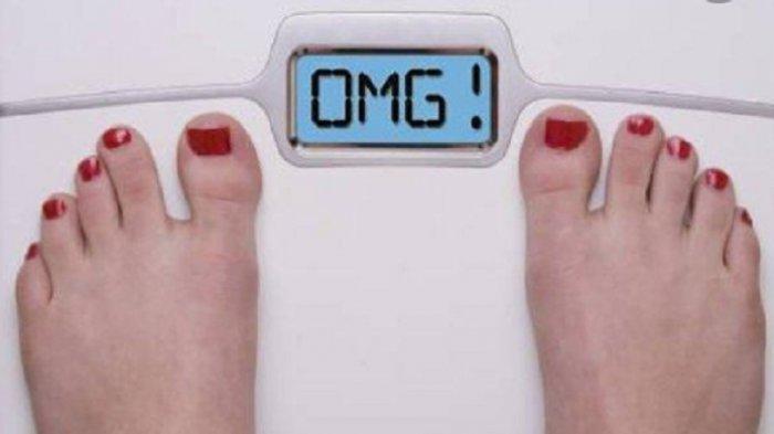 5 Tips Menurunkan Berat Badan Buat Kamu yang Malas Bergerak, Hindari Makanan Olahan