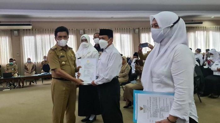 72 Pegawai PPPK Maros Akhirnya Terima SK, Ada 13 Tahun Jadi Tenaga Honorer