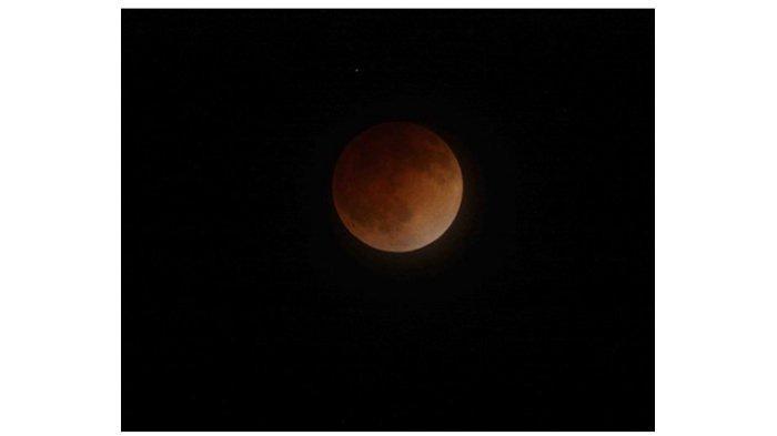 A blood moon pada tahun 2014. Credit: NASA Ames Research Center/Brian Day