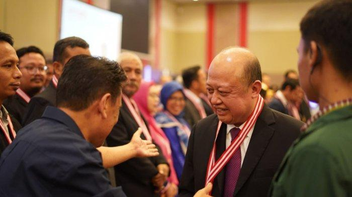 Dirut PT Pupuk Kaltim Achmad Bakir Pasaman Resmi Bergelar Insinyur dari FTI UMI dan Terima STRI
