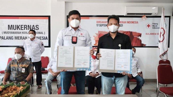 FOTO; Lindungi Relawan, PMI Sulsel MoU dengan BPJS Ketenagakerjaan - adnan-purichta-ichsan-melakukan-penandatanganan-mou-bersama-bpjs-ketenagakerjaan-1.jpg