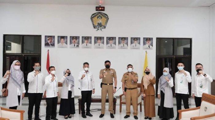 FOTO: Pemkab Gowa Tingkatkan Kerjasama dengan BPJS Ketenagakerjaan - adnan-purichta-ichsan-menerima-audience-bpjs-ketenagakerjaan-3.jpg
