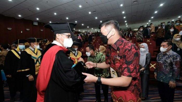 Hadiri Promosi Doktor Ketua BPKP Sulsel, Bupati Gowa; Bermanfaat Bagi Orang Banyak