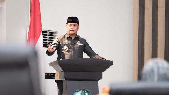 Foto; Pemkab Gowa Serahkan 3 Ranperda ke DPRD - adnan-purichta-ichsan-menyerahkan-tiga-ranperda-saat-rapat-paripurna-dprd-gowa-3.jpg