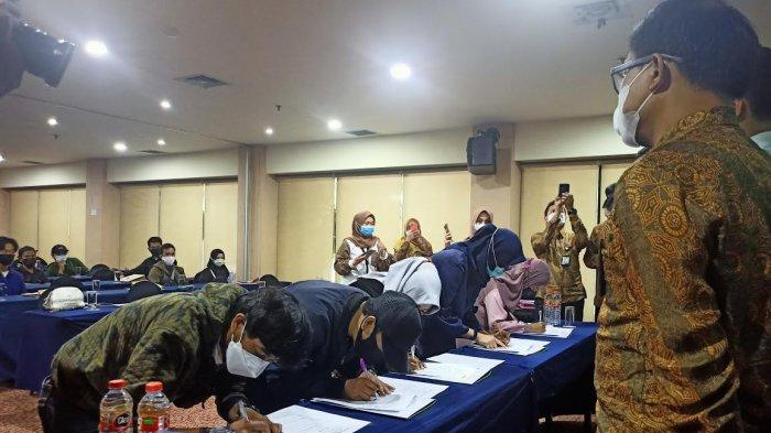 Bank Sulselbar Syariah-Tiga Maha Rewa Akad Massal KPR Sejahtera FLPP