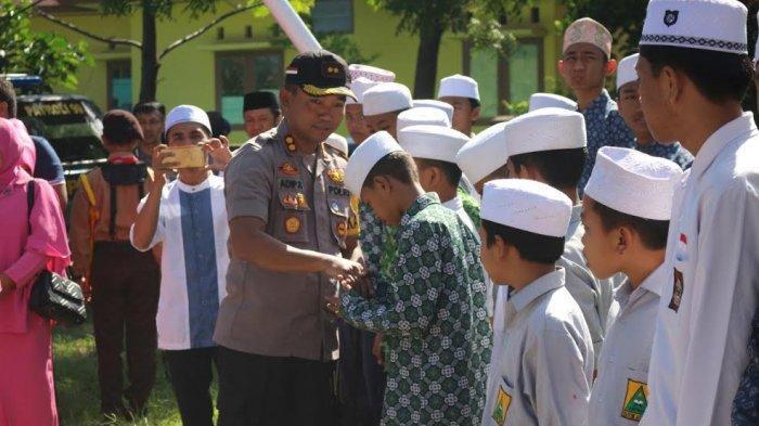 HUT ke 73 Bhayangkara, Kapolres Bantaeng Kunjungi Pesantren di Pajukukang