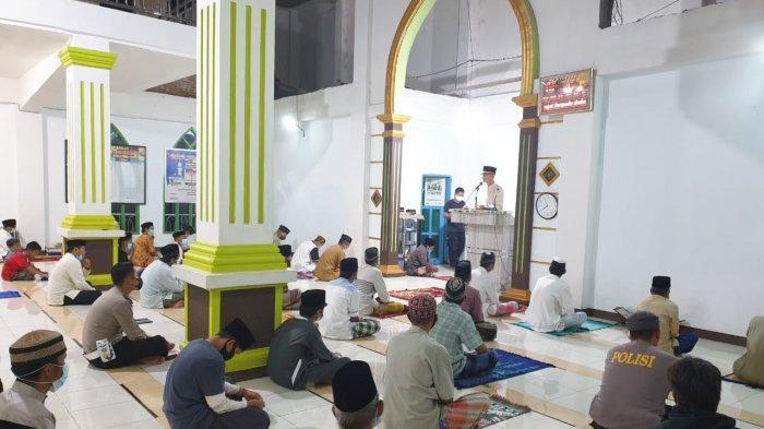 Syiar Ramadhan di Curio, Kapolres Enrekang: Terapkan Prokes, Jangan Mudik