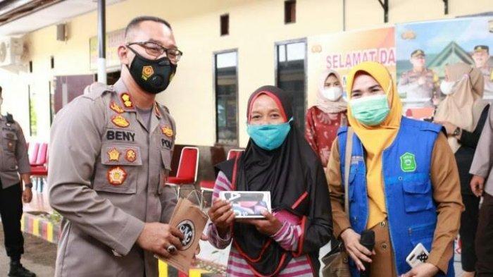 Vaksin Covid-19 di Polres Takalar Berhadiah Handphone Samsung