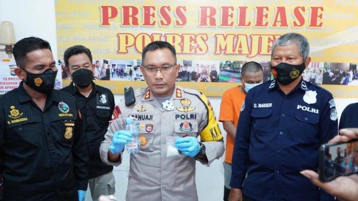 Sempat Sembunyi di Atas Plafon, 2 Pelaku Penyalahgunaan Narkoba di Majene Ditangkap