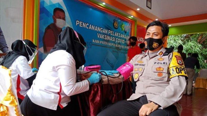 AKBP Temmangnganro Machmud Polisi Pertama Divaksin Covid-19 di Selayar