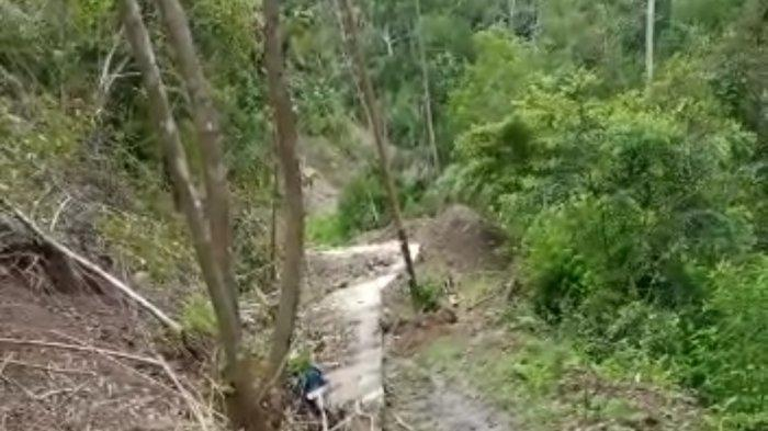 Longsor di Desa Basseang Pinrang Belum Dibersihkan