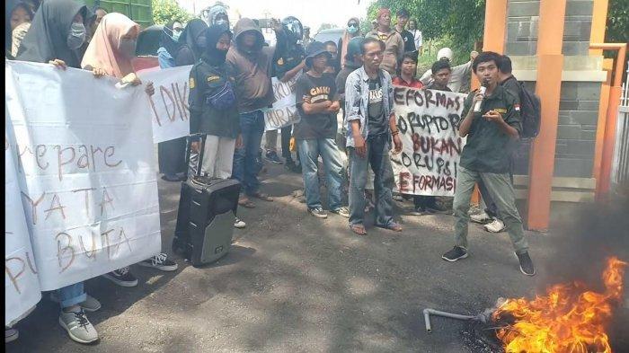 VIDEO: Begini Suasana Aksi Unjuk Rasa di Kota Parepare