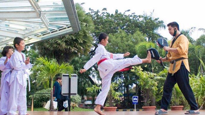 Tak Hanya Belanja, Pengunjung Bisa Yoga dan Taekwondo di MaRI