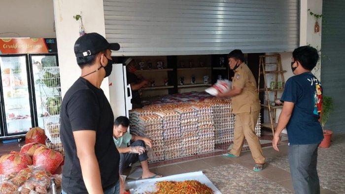 aktivitas penjualan pangan di Toko Tani DKPn
