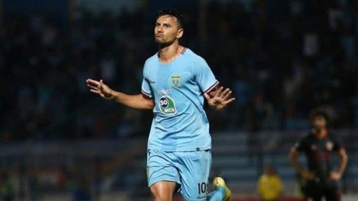 Gol Alex ke Gawang PSM Putuskan Rekor Puasa Gol Selama 13 Pekan