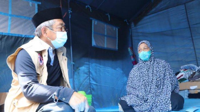 Sambangi Korban Gempa yang Mengungsi di Polman, Gubernur: Rumah Rusak Berat Dibantu Rp 50 Juta