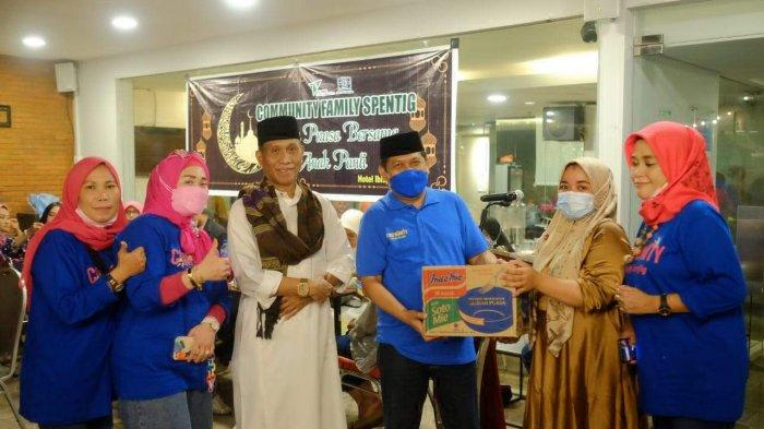 Alumni Spentig Makassar Buka Puasa Bareng Dhuafa, Juga Bagi Sembako