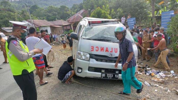 Kronologis Ambulans Terbalik di Luwu, Muat 8 Orang dan 1 Jenazah