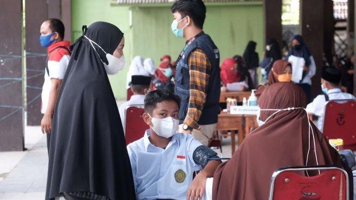 FOTO: AMP Gowa Gandeng Pemda Gowa Gelar Vaksinasi Massal - amp-gowa-vaksinasi-massal-4.jpg