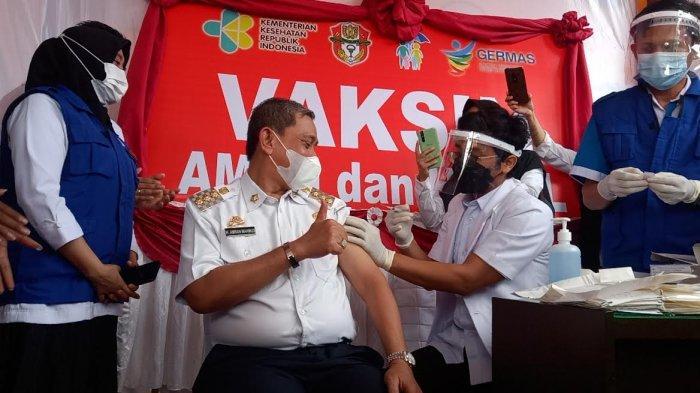Usai Divaksin Pertama di Wajo, Amran Mahmud: Dokternya yang Gemetar
