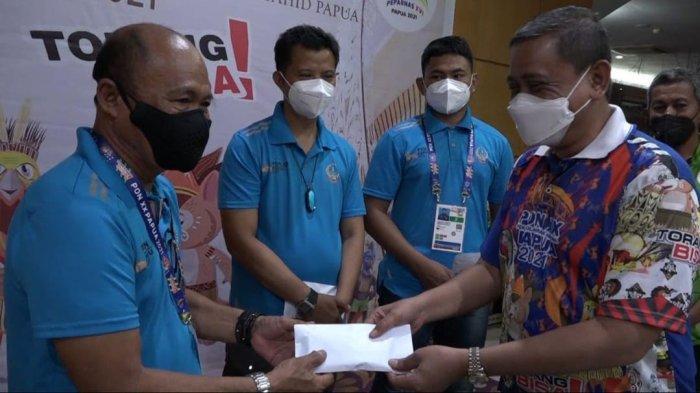 Amran Mahmud Janjikan Hadiah Bagi Atlet Wajo Peraih Medali di PON Papua
