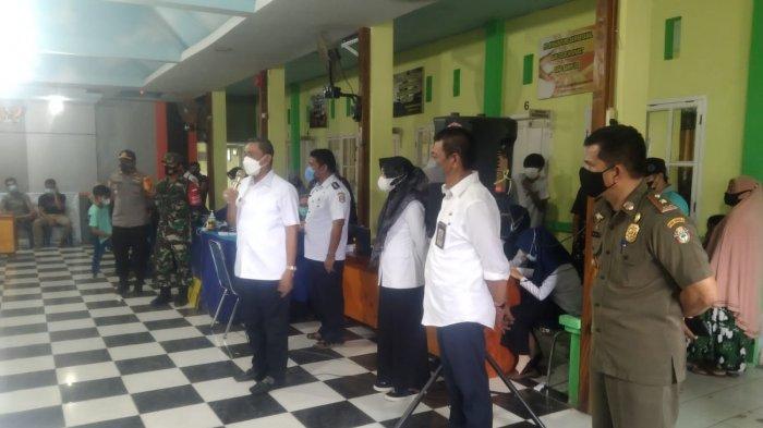 Bupati Wajo Tinjau Vaksinasi dan Banjir di Kecamatan Belawa
