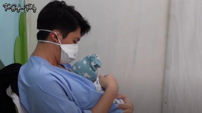 Anak Pertama Zaskia Sungkar dan Irwansyah bernama Ukkasya Muhammad Syahki, Ini BB & TB saat Lahir