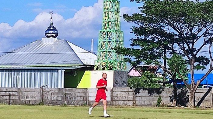 Pakai Jersey Nomor 10, Rekrutan Baru PSM Makassar Anco Jansen Mulai Ikut Berlatih