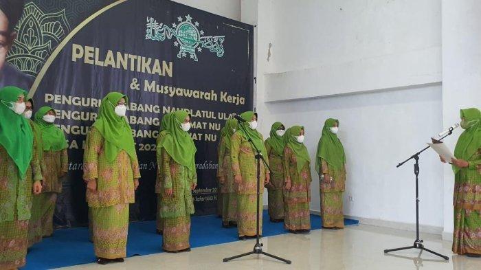 Majdah Lantik Pengurus Muslimat NU Kabupaten Barru