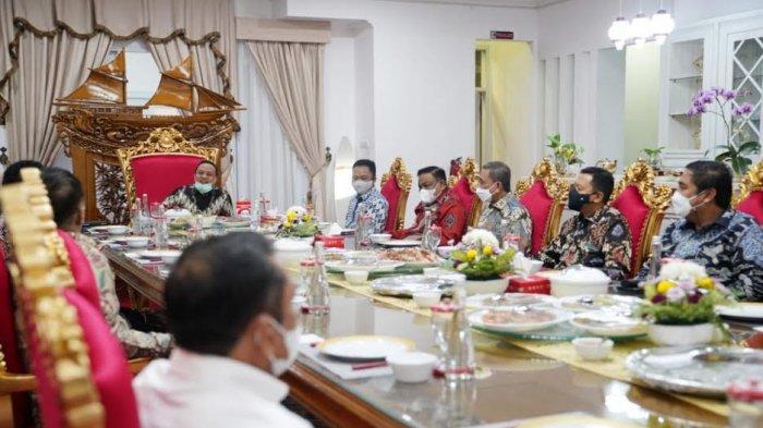 Andi Sudirman Komitmen Bantu Daerah, Mulai Wisata Ollon Toraja hingga Masjid Agung Selayar